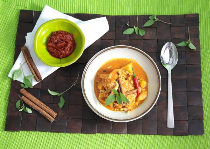 Kurczak massaman curry House of Asia