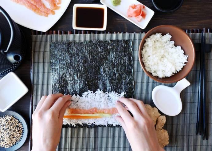 Jak ugotować ryż do sushi?