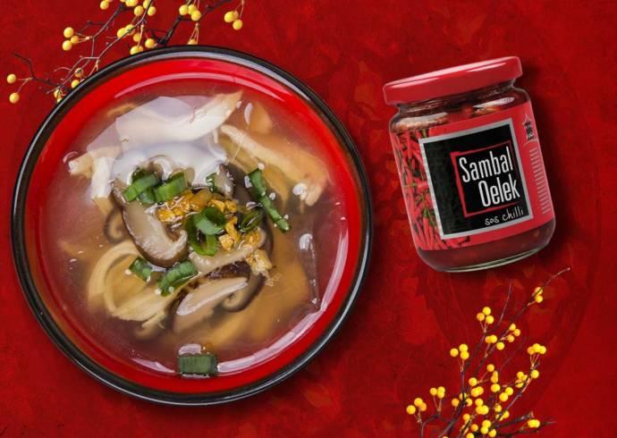 Chińska Zupa ostro-kwaśna z kurczakiem i grzybami shiitake House of Asia