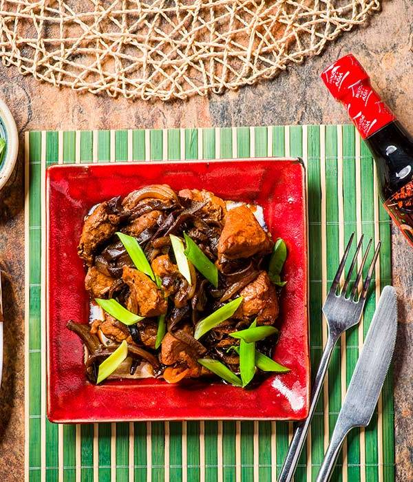 poledwiczki wieprzowe z sosem sojowym i grzybami mun house of asia