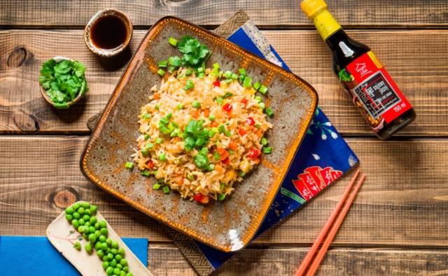 Smażony ryż z warzywami po chińsku House of Asia