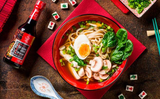 zupa miso z makaronem chow mein house of asia