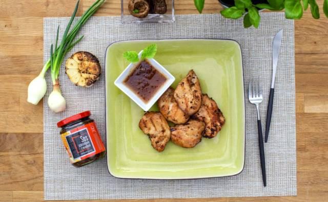 Filet z kurczaka w marynacie miodowo-czosnkowej House of Asia