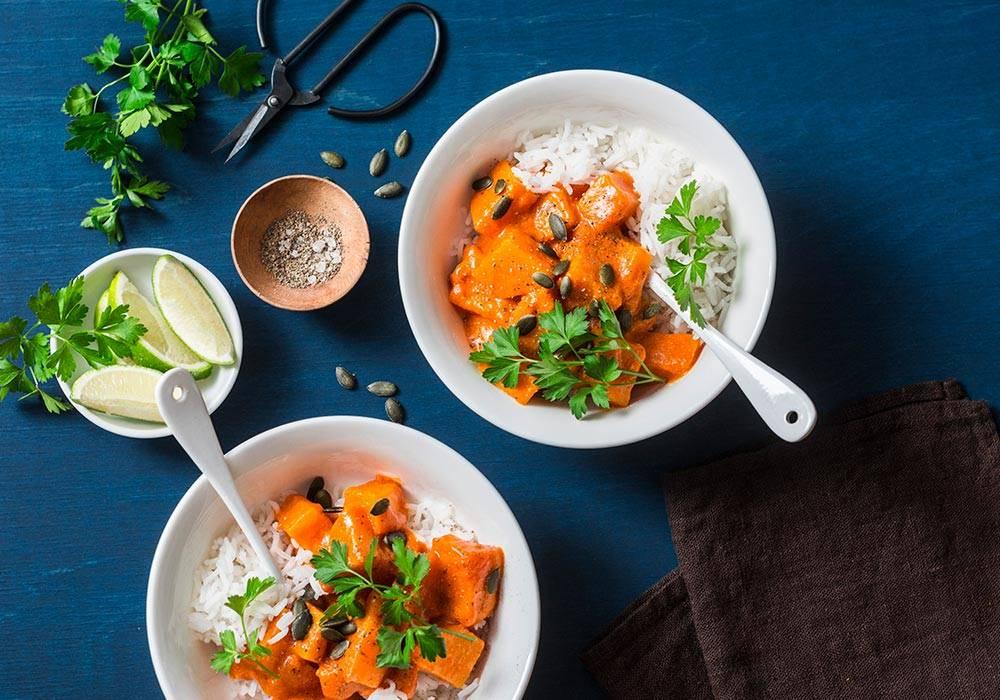 Wegańskie massaman curry i mleczkiem kokosowym House of Asia
