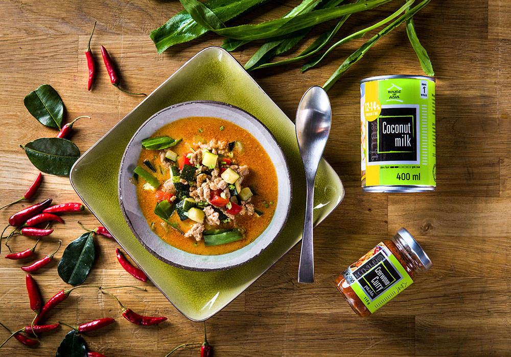 Czerwone curry z wieprzowiną house of asia