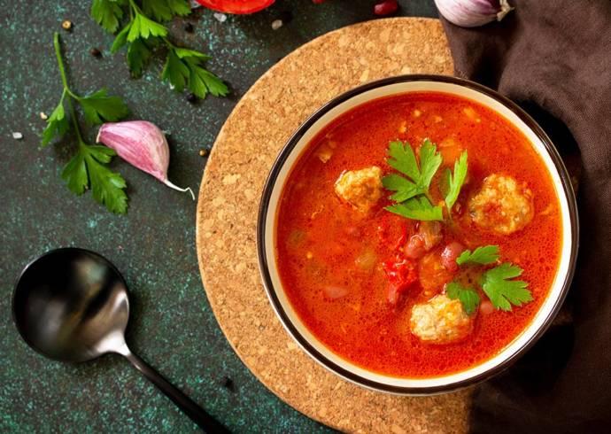Przepis Azjatycka zupa pomidorowa z mięsnymi klopsikami House of Asia