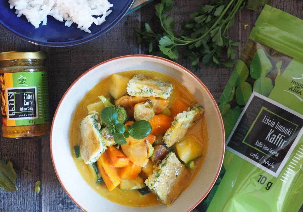 Rozgrzewające żółte curry z kolendrowym omletem Jakub Kuroń House of Asia