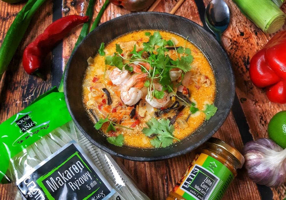 Zupa tajska z krewetkami i żółtym curry Mateusz Krojenka House of Asia